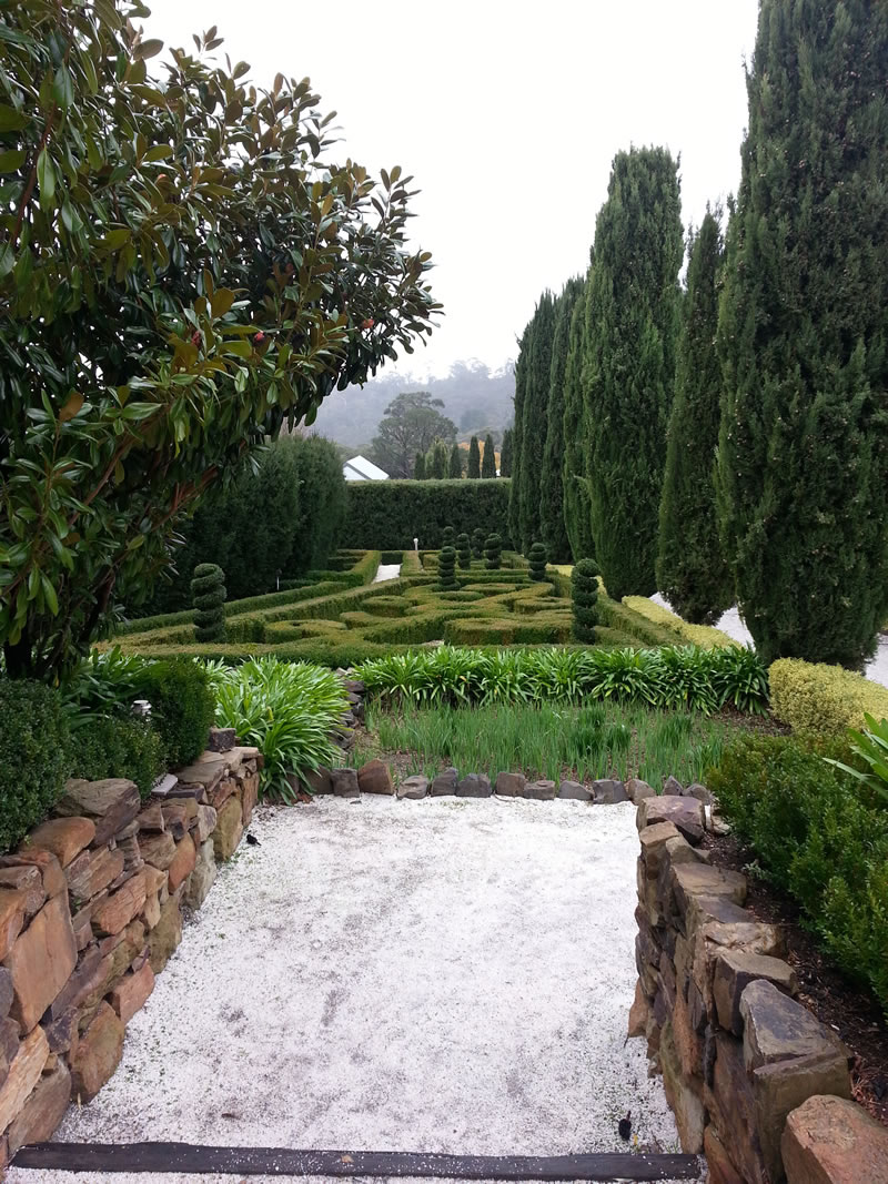 A Secret Gardenu2026.topiary, Hedges, Gravel And Stone Wallsu2026who Can Resist  Such Beauty?