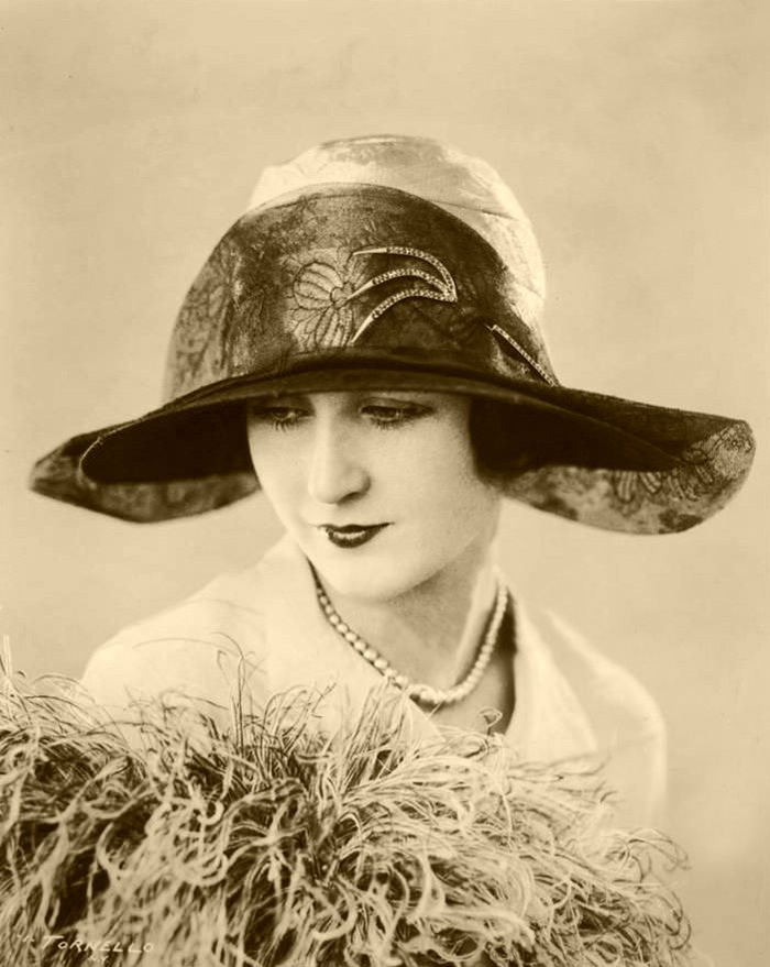 millinery-research-allianceinc-ny-1926-photo-by-salvatore-tornello-4