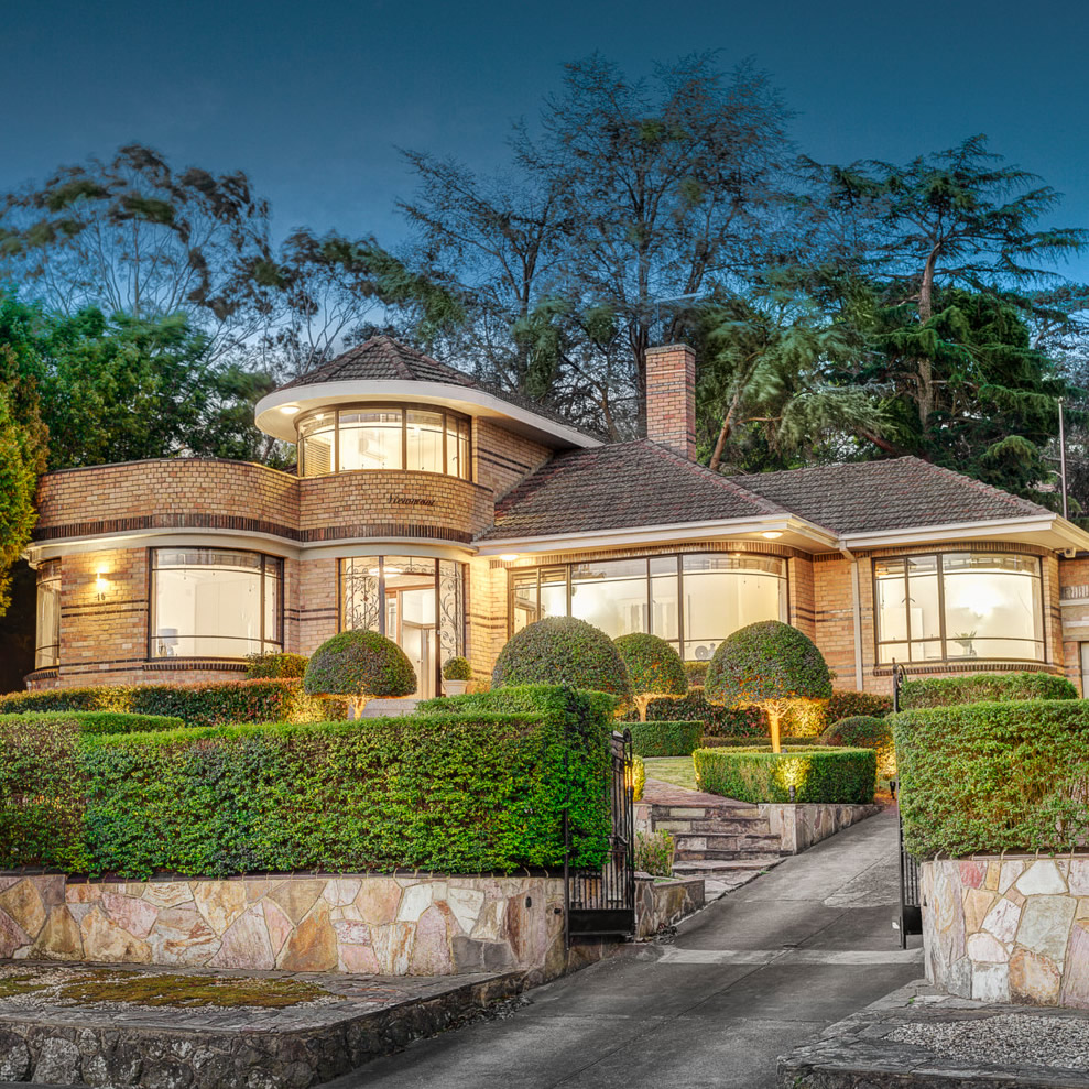 Historical architectural style the art deco waterfall for Building styles for homes