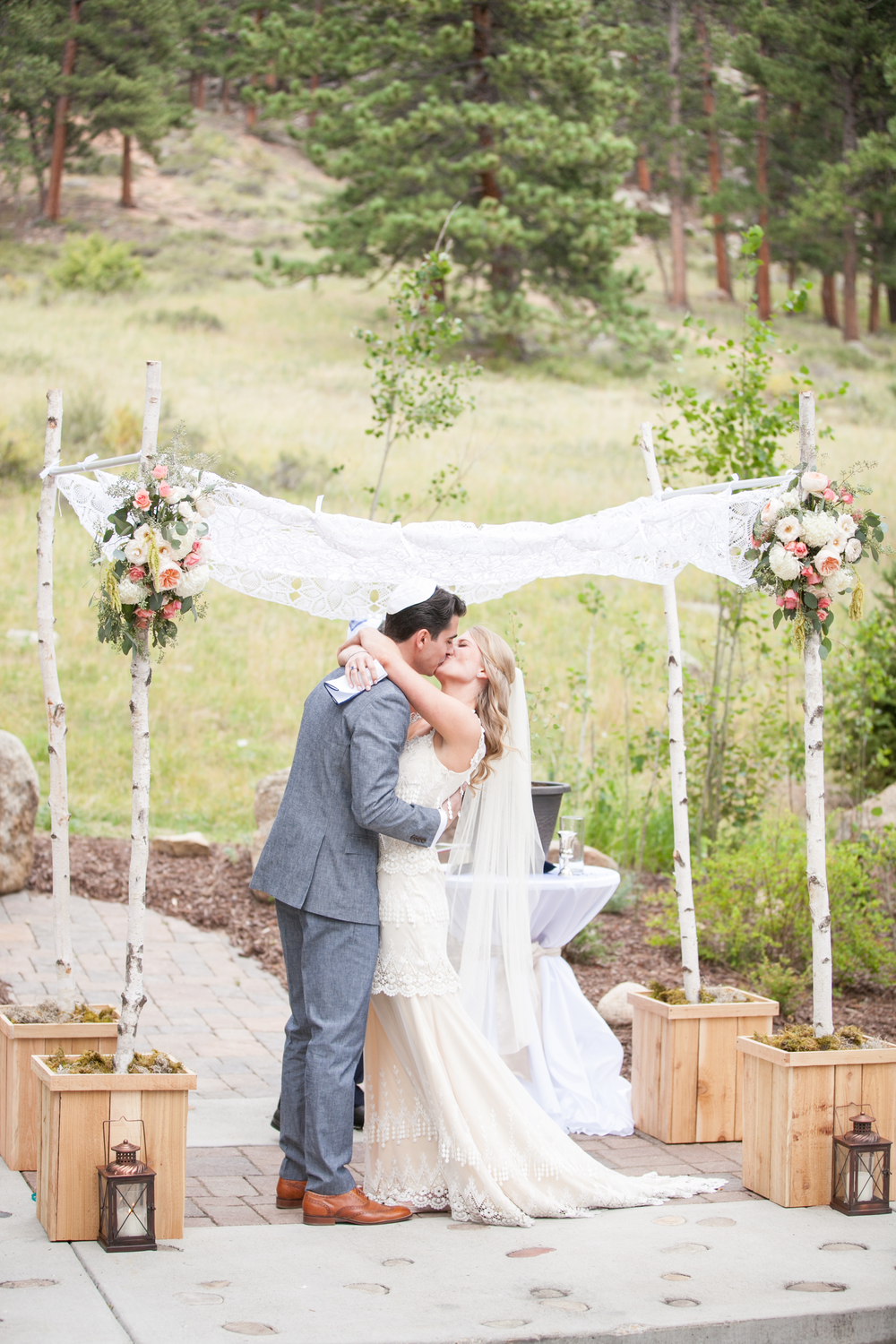 Romantic Mountain Wedding | Estes Park, Colorado | Bello & Blue Events | Colorado & Denver Wedding Planner
