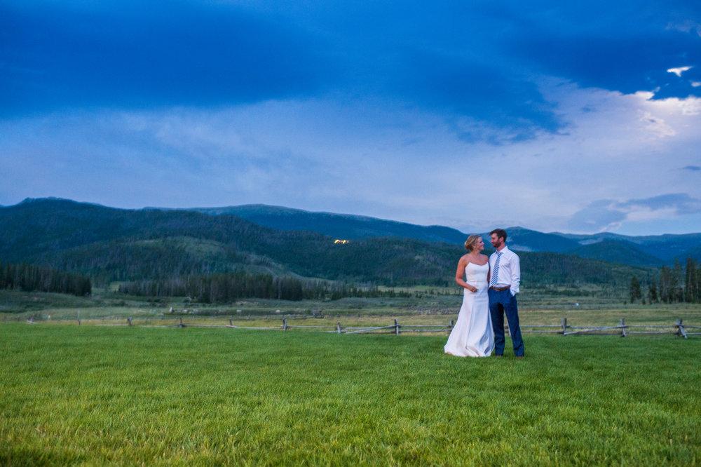 Organic Mountain Wedding in Tabernash, Colorado | Bello & Blue Events | Colorado & Denver Wedding Planner