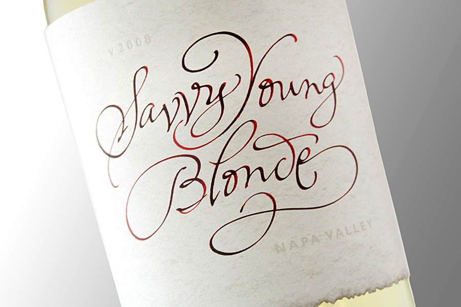Savvy-Young-Blanc_Zoom.jpg