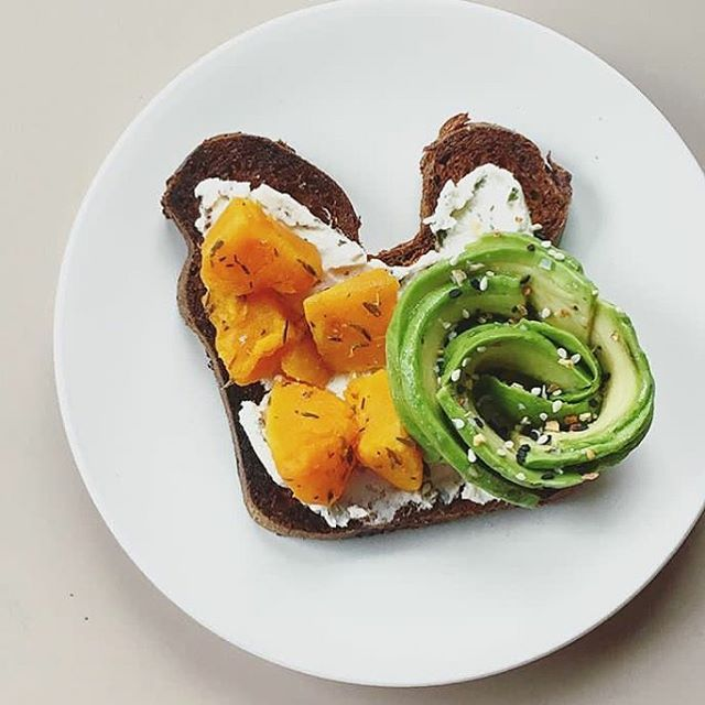 I would like to master the avocado rose someday 🙃. 📷: @ginafelice #betterontoast