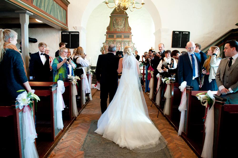 Bryllupsfotograf-Vestfold-Andebu-kirke-Vielse-8.jpg