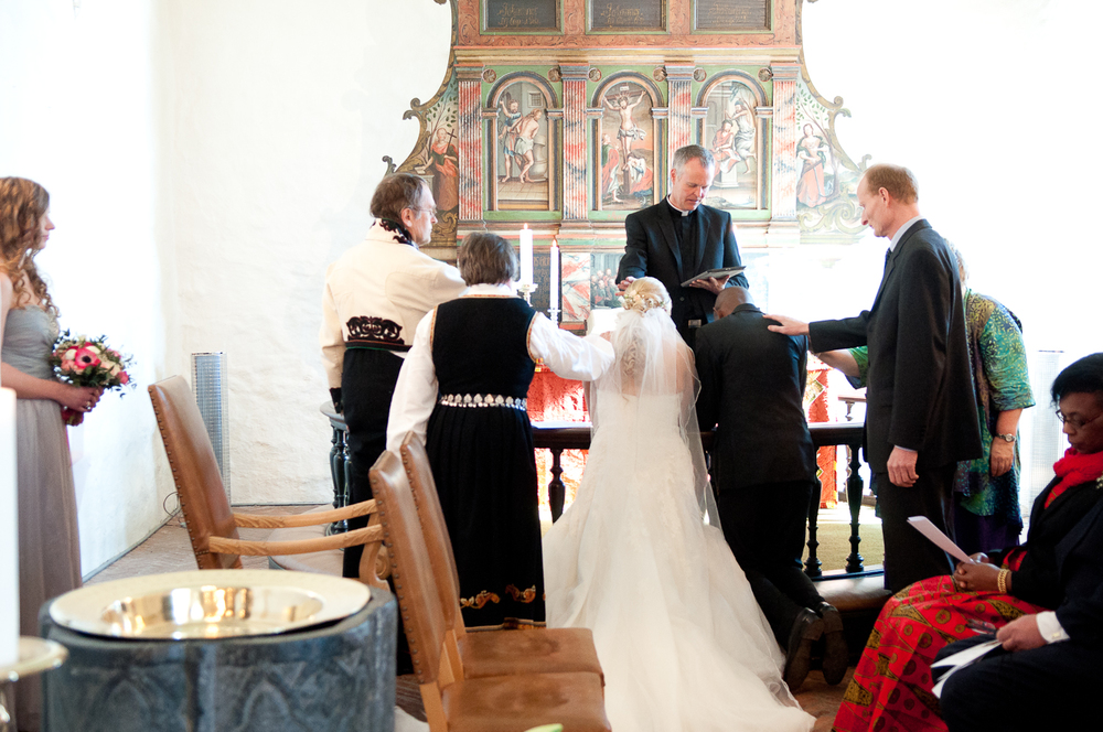 Bryllupsfotograf-Vestfold-Andebu-kirke-Vielse-13.jpg