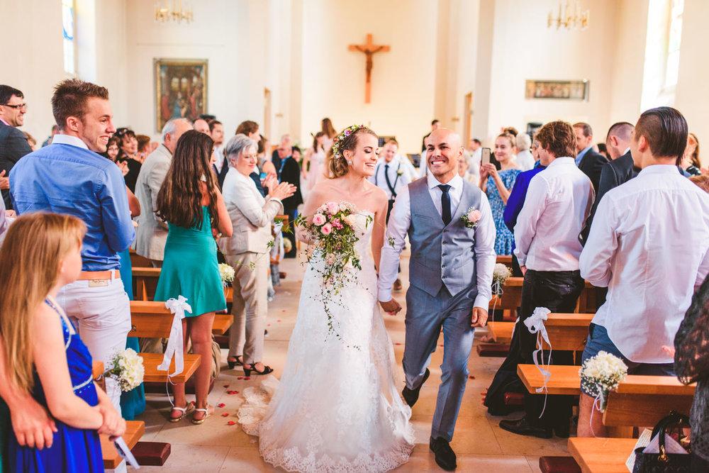 Fotograf-Martin-Bonden-bryllup-vielse-smil.jpg
