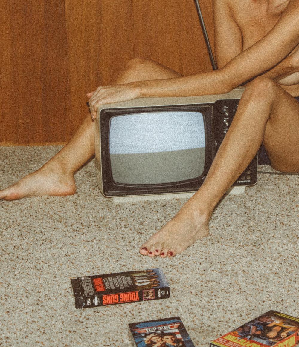 TAYLOR TV X AM-12.jpg