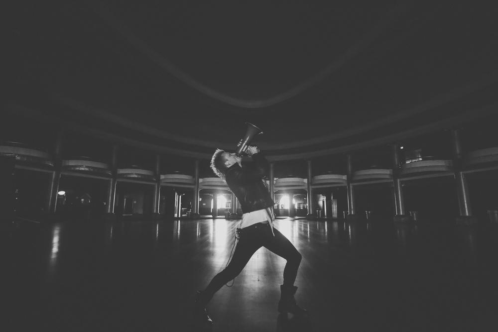 Jonny || The Rave
