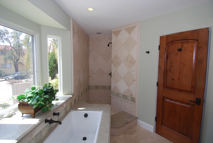 laurel a master bath2.jpg