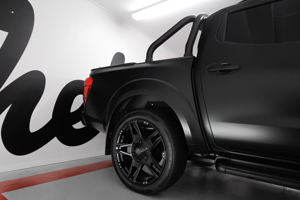 Matte Black 2015 Nissan Navara back wheel