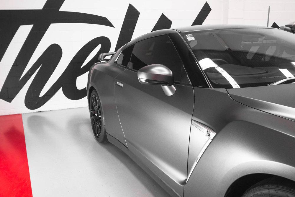 Grey Nissan skyline GTR r35