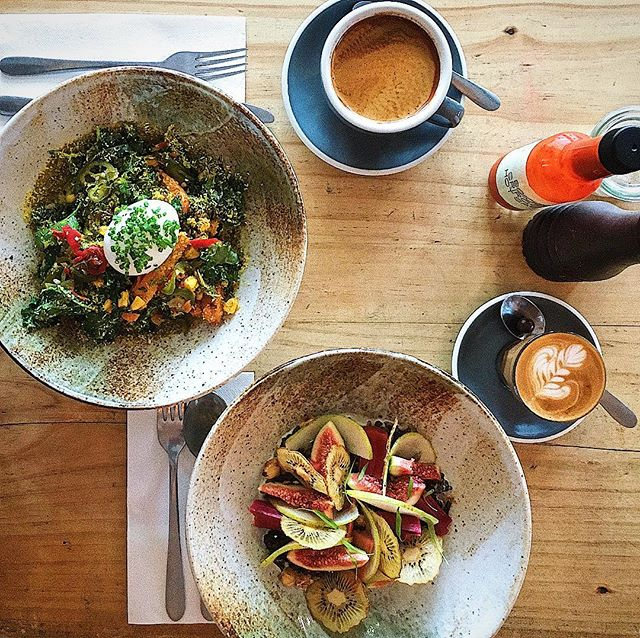 SUNDAY SESSIONS. Big hearty warm bowls full of nourishment and flavour #sydneycafe #shopsmall #artisanbakery #sydneyeats #prebiotics #plantbased #perfectegg #planttherapy #eatmoreplants #eatmoreveggies #sydneyfood #sydneybakery #sundaybrunch #sydneycoffee #breakfastinsydney #breakfastsalad ##foodismedicine #nourish #wholefood #wholesome #longblack #piccolo #pickles #fermentedfoods