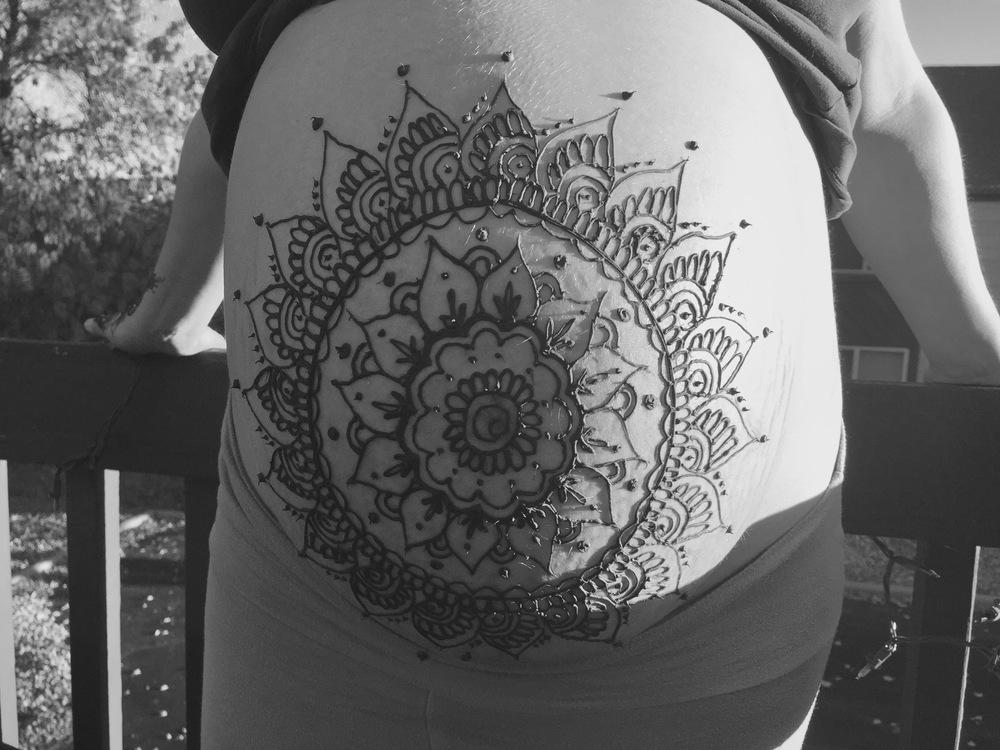 Pregnancy Henna Boulder.jpg