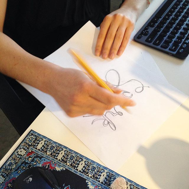 Check out @alisaoooh getting her hand lettering on! #veryniceLA