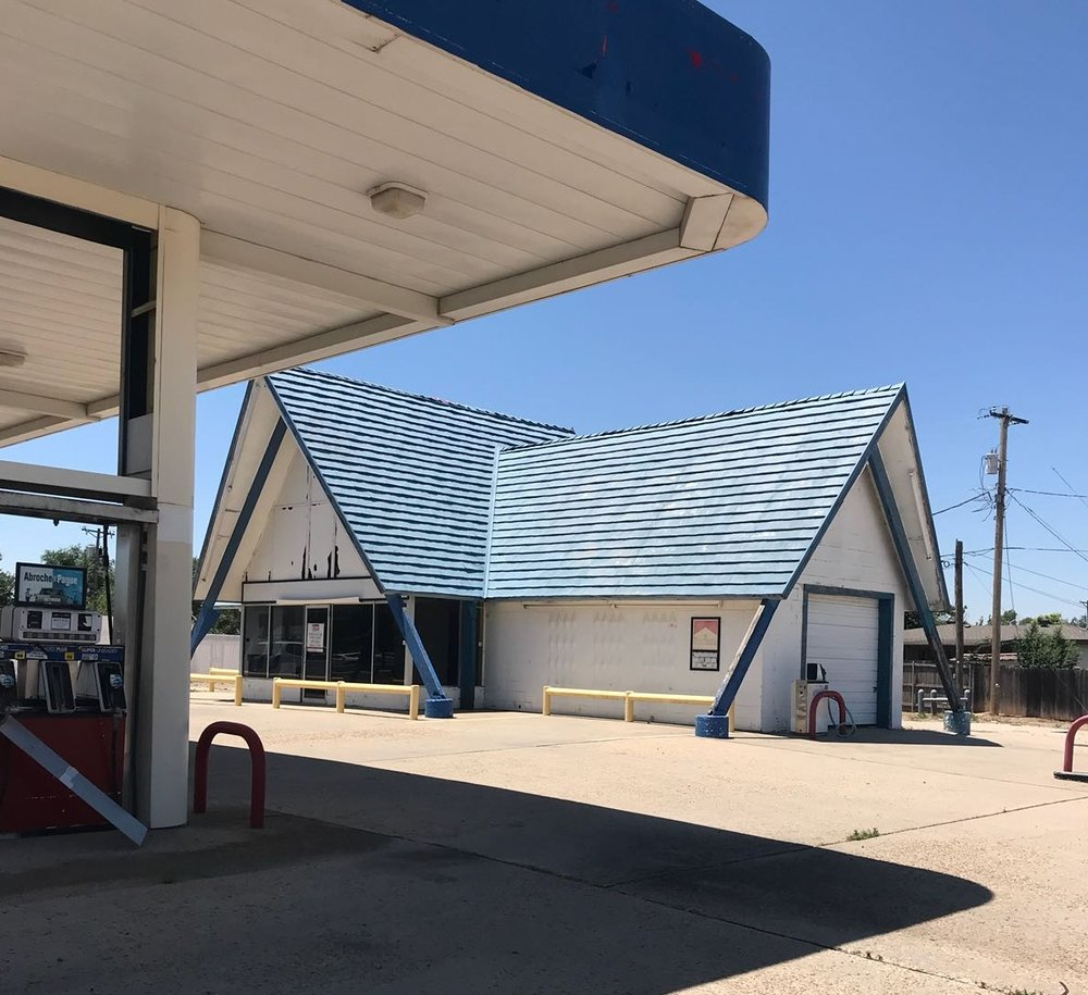 - This property is a former gas station located right in the middle of one of the busiest areas of Amarillo. This is perfect for a new gas store operation, retail store, liquor store, smoke shop, used car lot, or barber shop.Want more information? Click here!