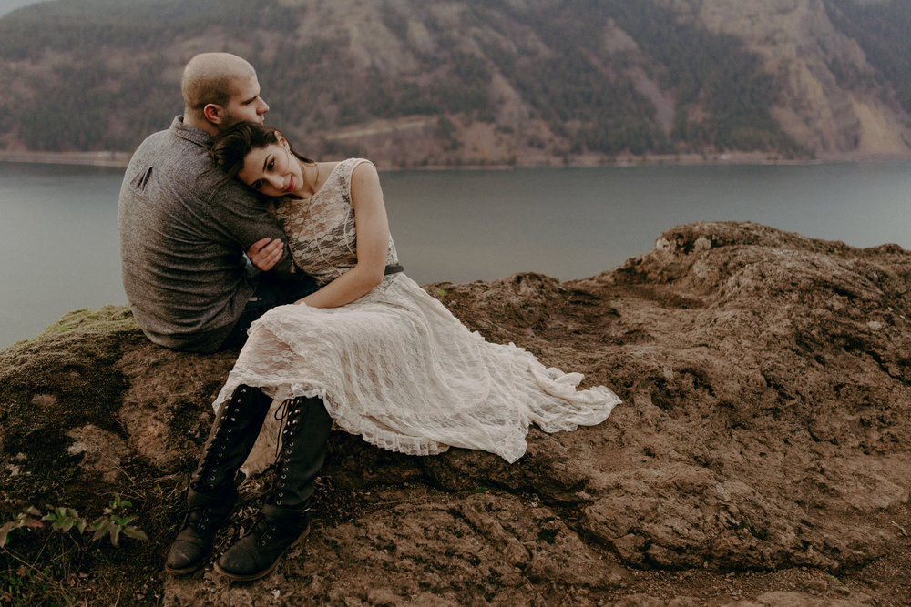Columbia River Gorge Engagement Photographer - Oregon