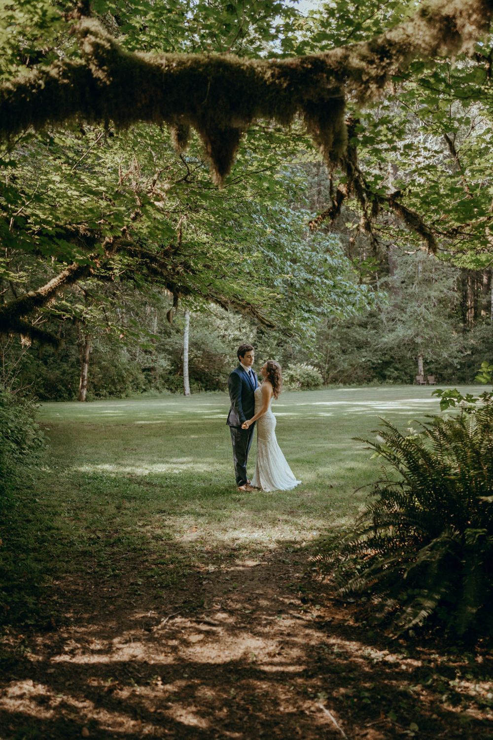 shannah andy a silver falls state park wedding