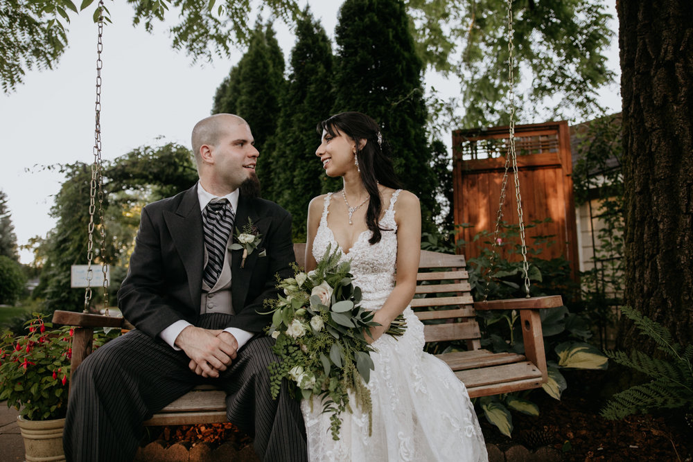 Romantic Oregon City Wedding