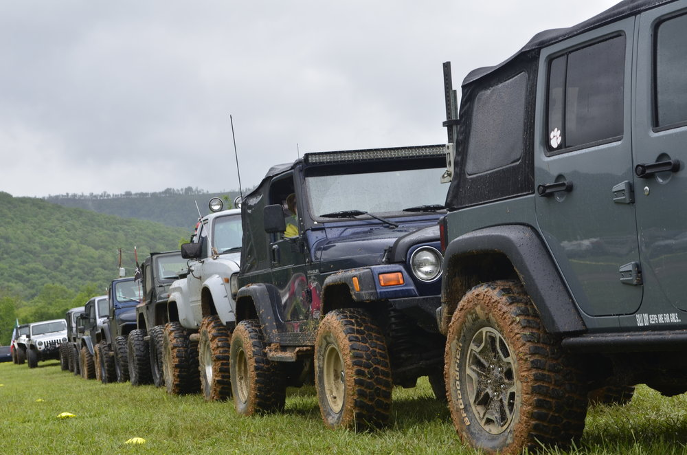 Advanced Moderate Group all lined up and ready to hit the trails....