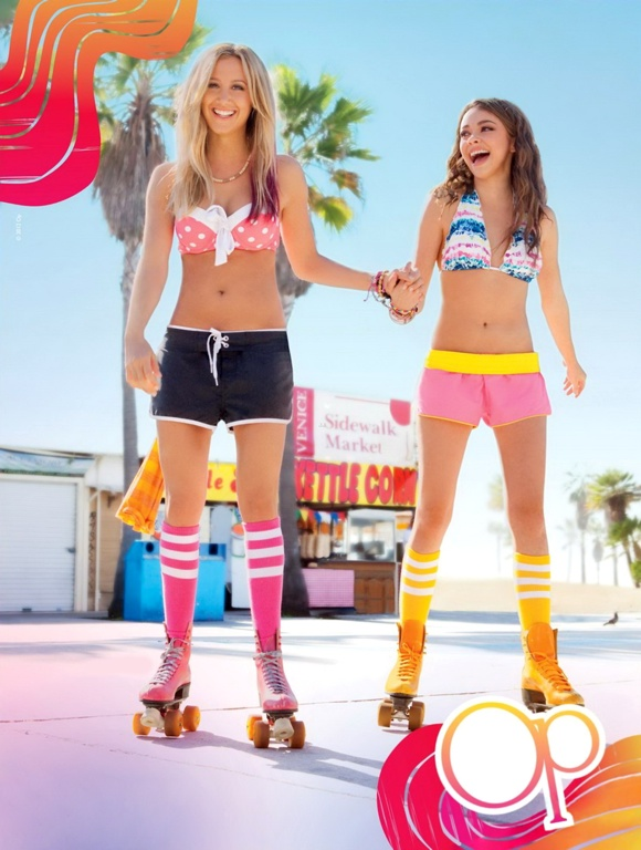 sarah_hyland_with_ashley_tisdale_ocean_pacific_venice_beach_heat_promotional_2012_jIVeemB.jpg