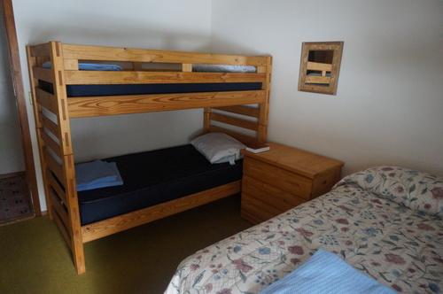 Lodge+Bedroom(2).jpg