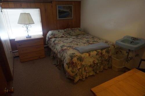 Lodge+Bedroom.jpg
