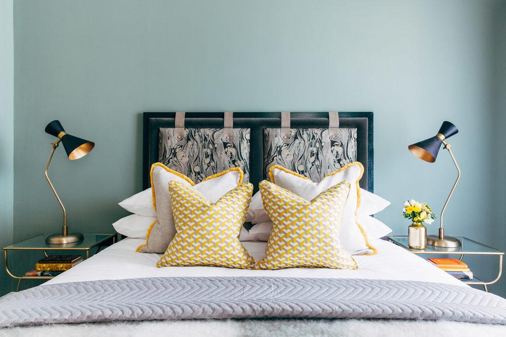 A_LONDON_Hamilton_Court_1_06_Bedroom.jpg