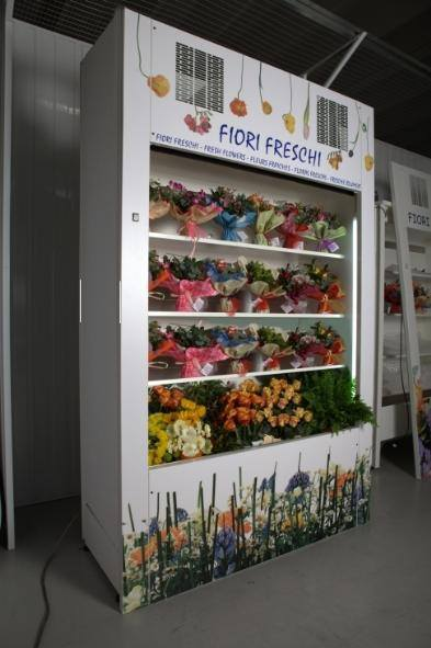 A Verdenaturaè refrigerated exhibitor.