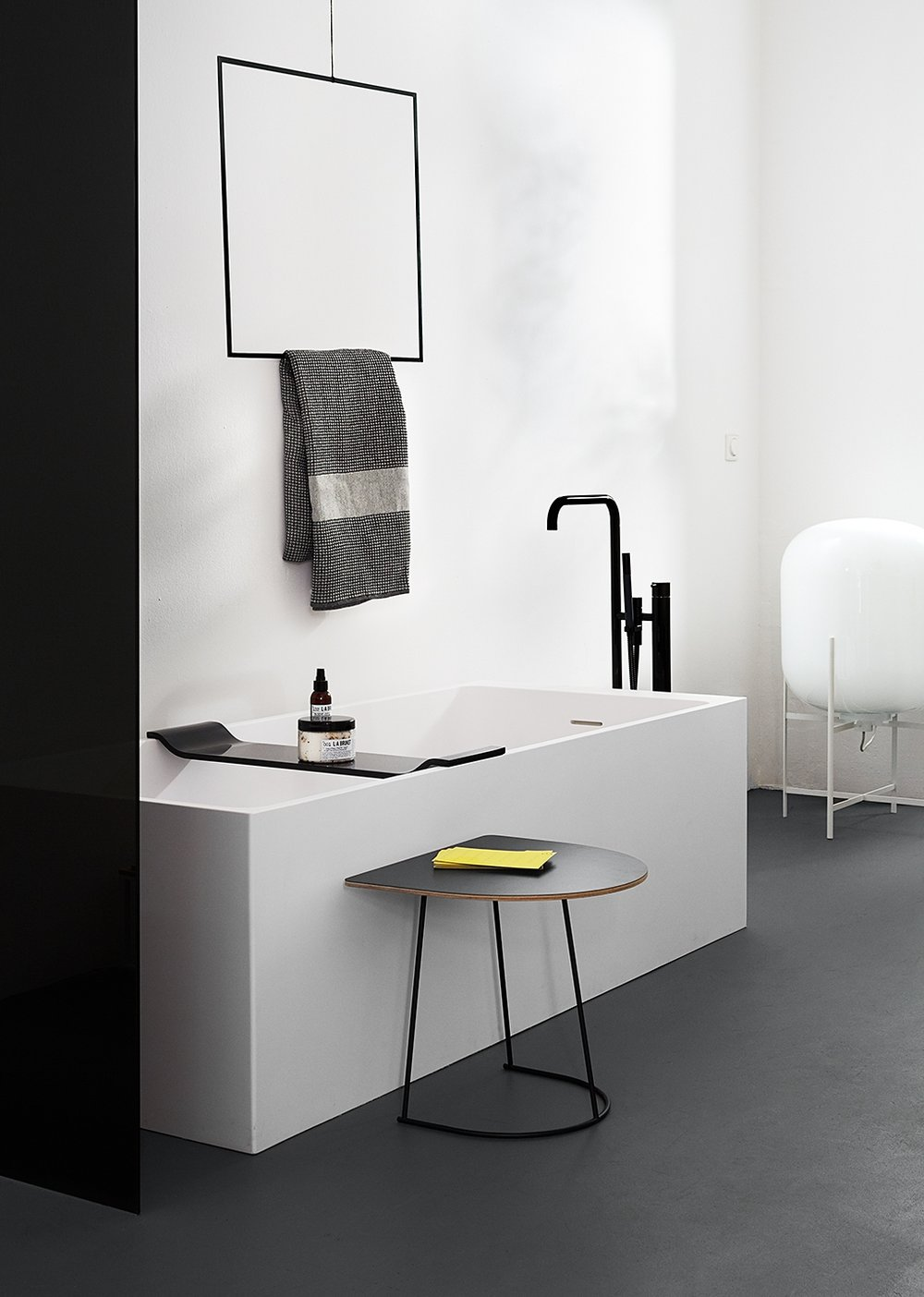 Bathroom, Not only white , Photo: Anne Deppe, Styling: Nici Theuerkauf