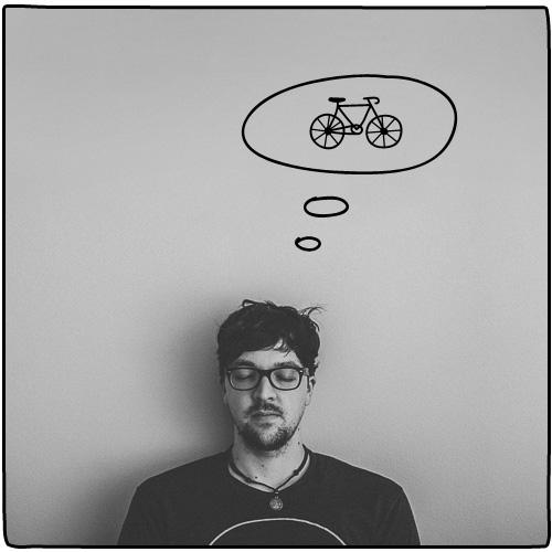 "Martin Gross Mám rád bicykle, písmo, magazíny čokoláda s rodinou. Držím sa hesla ""Work hard & be nice to people."""