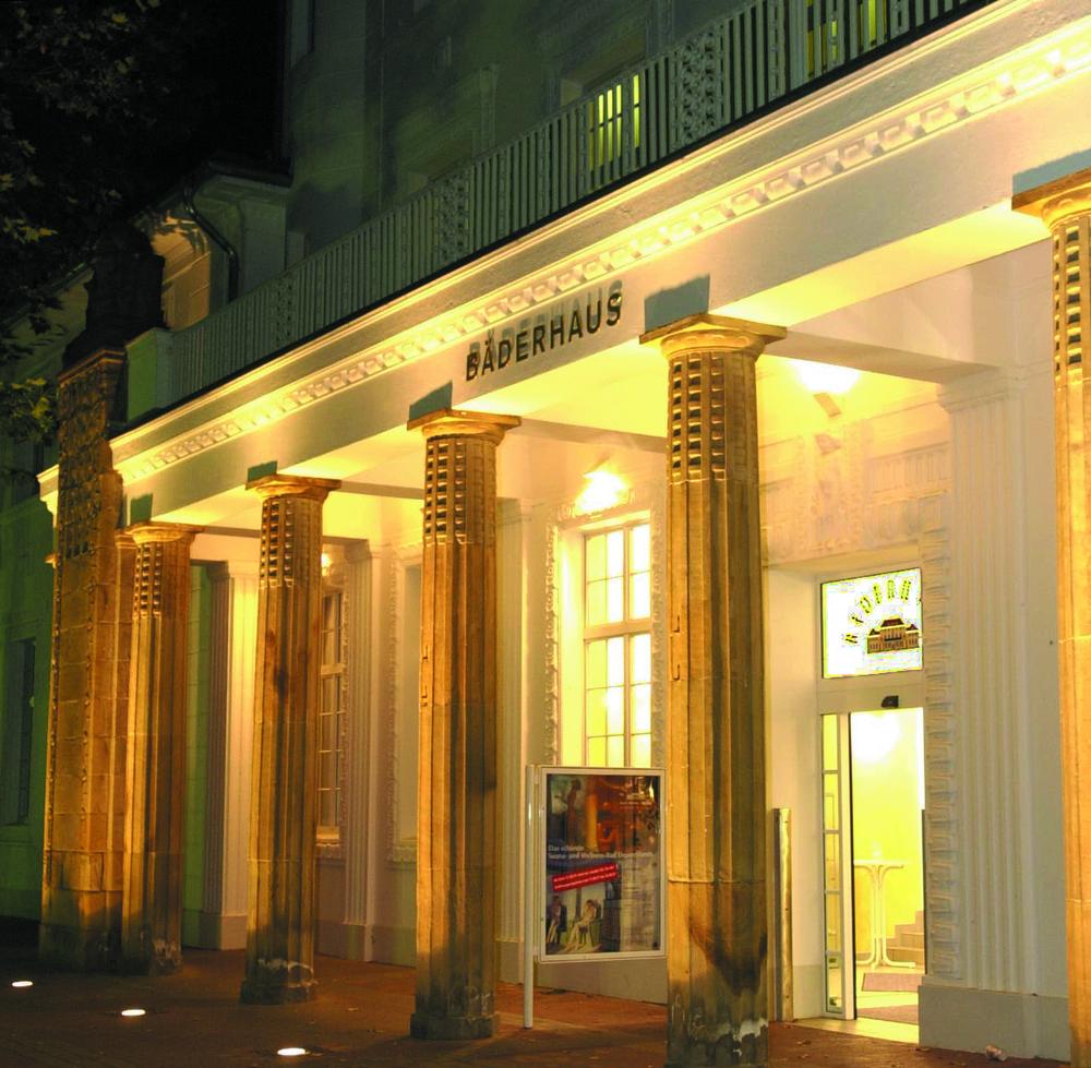 Bäderhaus-Eingang.JPG
