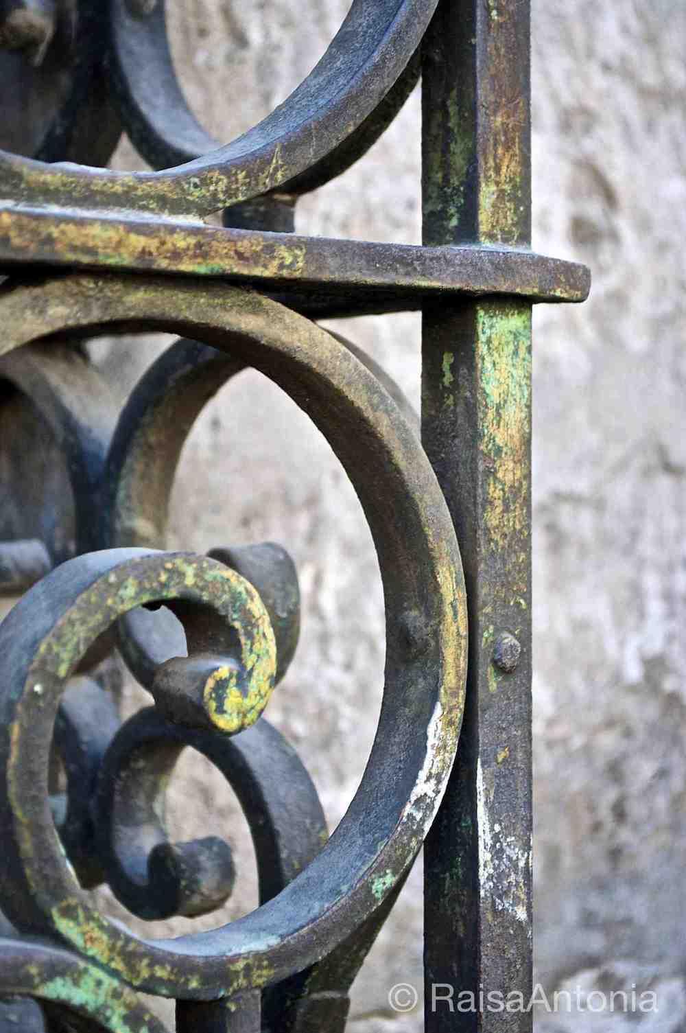 Arequipa Iron Gate