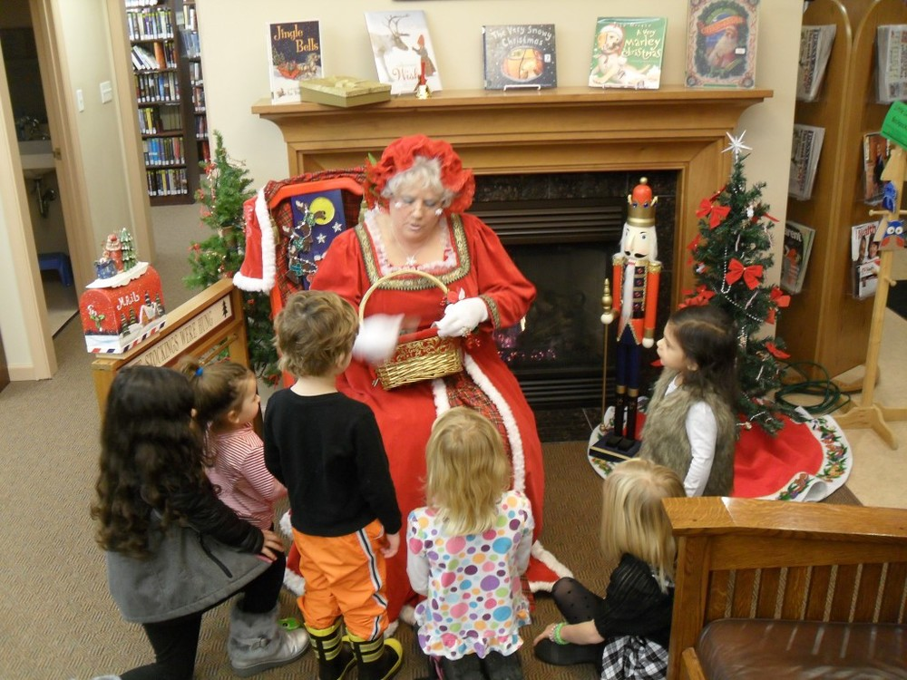 Did you know that Mrs. Claus lovings Reading and Libraries?