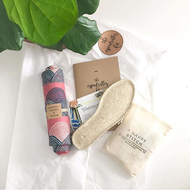 You guys, another of our amazing sponsors for the @projectrunandplay Farmer's Market Collection Sewing Contest is @ahappystitch 🙌🏻 How cool would it be to make your own Espadrille with the loveliest fabric for you or your kids. Ummmm yes please!  Check out all the details on one of my previous post. #prpdesignercapsule #sewingcontest#sewersofinstagram #sewing#isew#handmadeshoes#shoekit