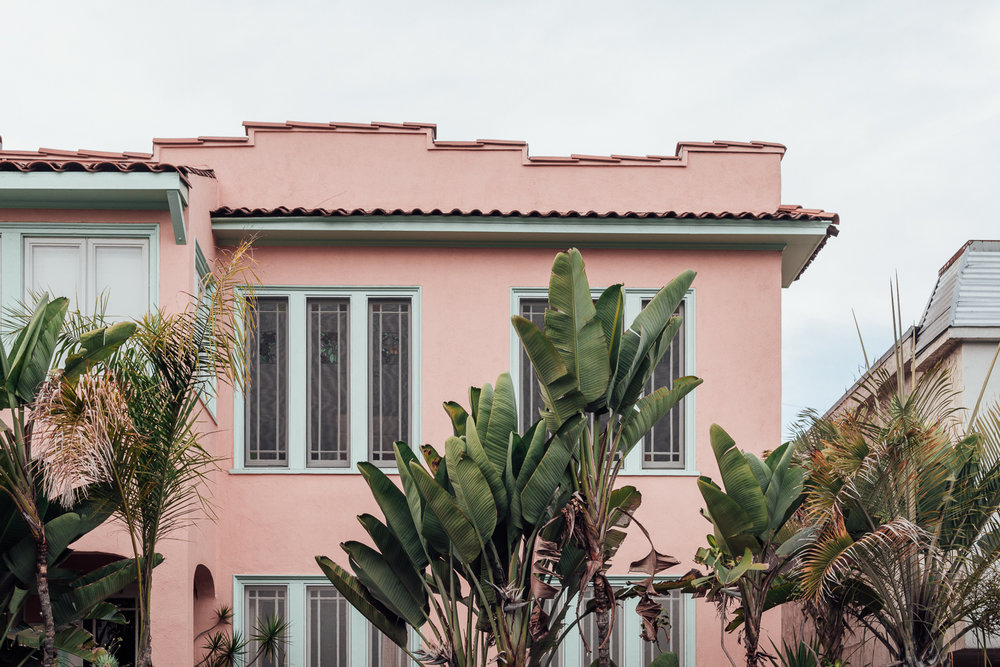 Pink House Palm Trees Venice Beach Photography  / Canon 5D Mark IV / kelly creative