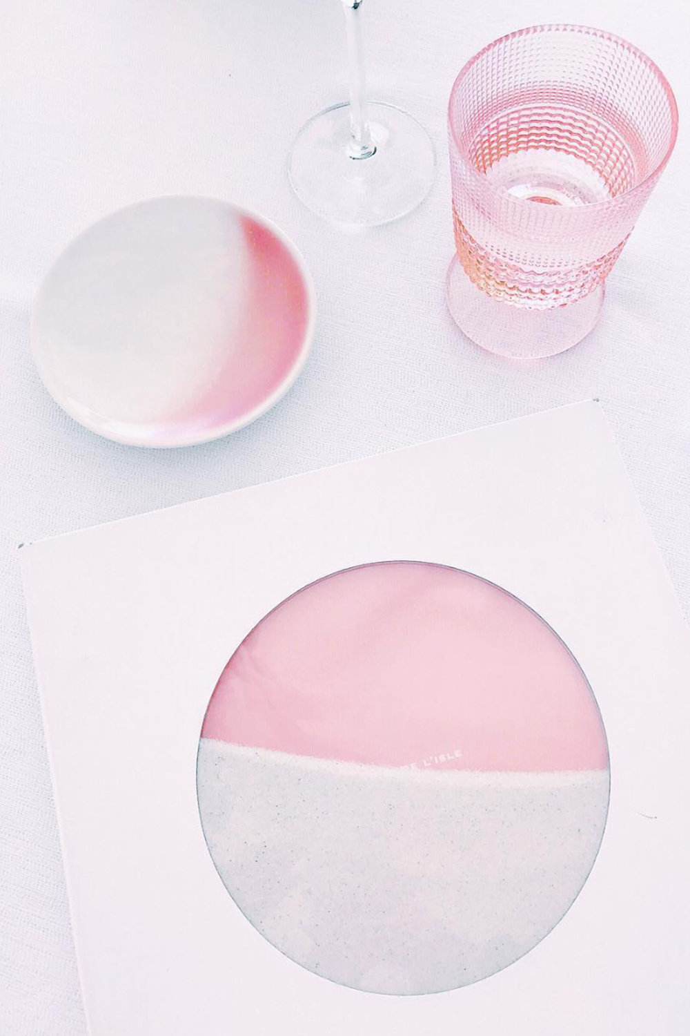 Pink Table Setting / Instagram Photo Ideas / Kelly Fiance Creative