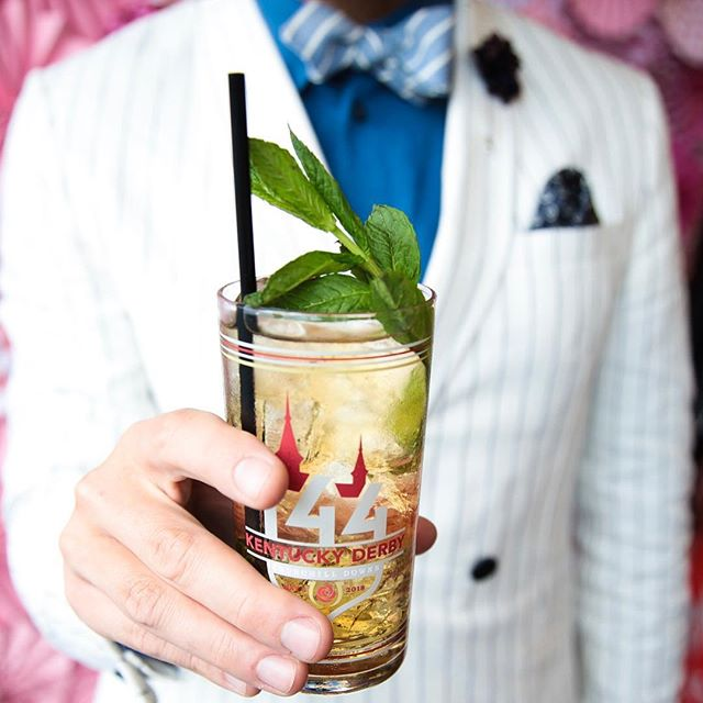 These Sparking Mint Julep's were going down easy yesterday in the @14handswine Kentucky Derby suite. I must say it was so sad to see everyone in normal clothes today after a weekend of absolutely grand dressing. I feel like Monday I will wake up confused that their are no horses to bet on.... Is everyone removing from the Cinco & Derby festivities?