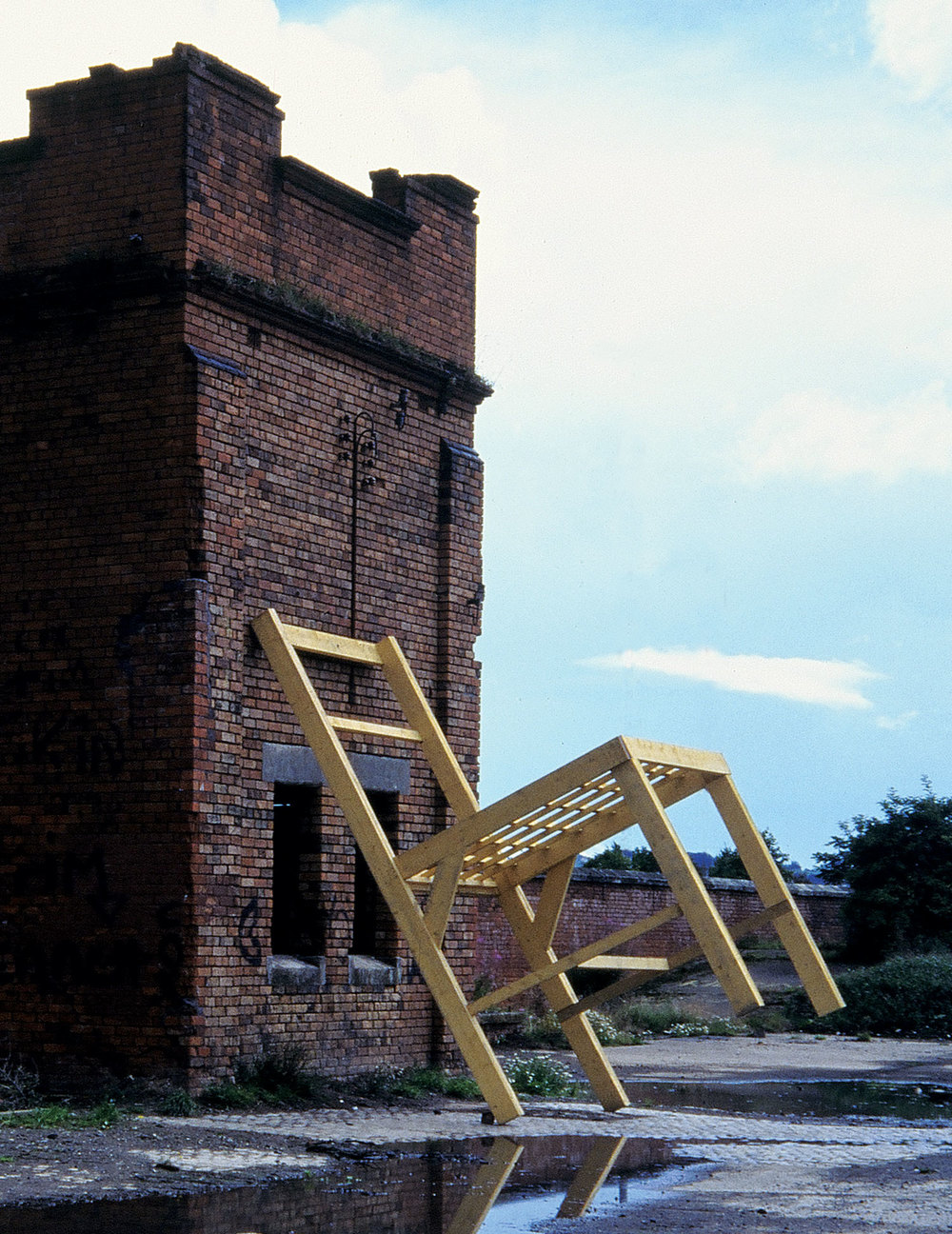 tom-gormally-sculpture-ireland-installation-watching-river.jpg