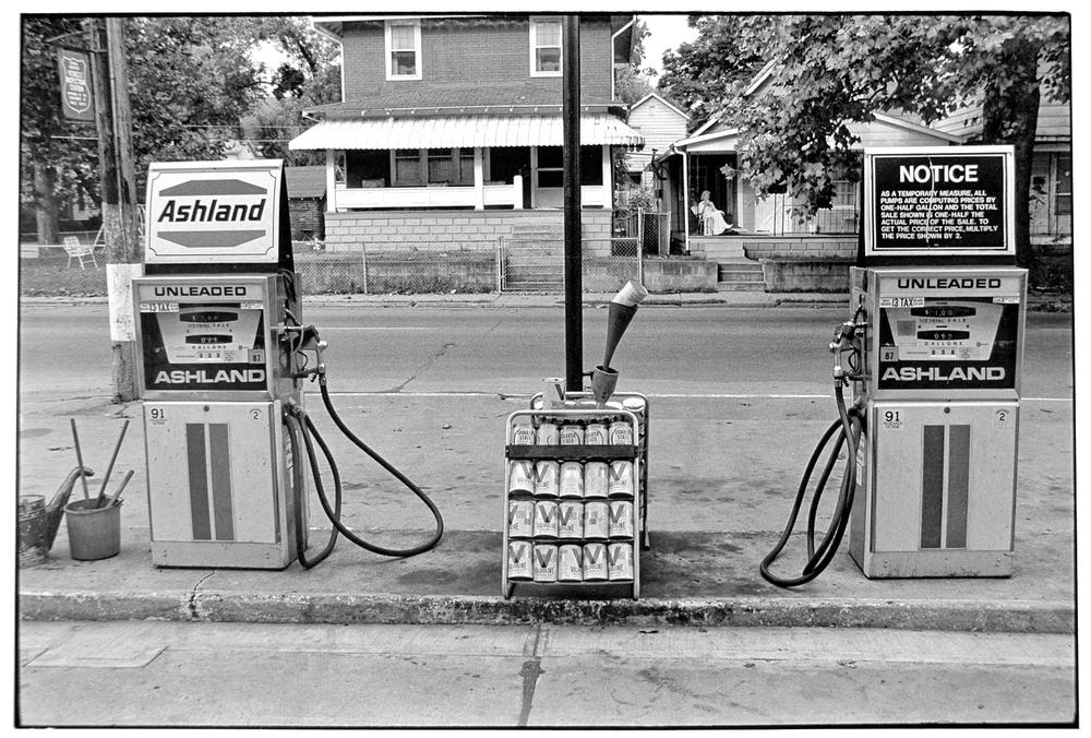 Gas Station-007-2.jpg