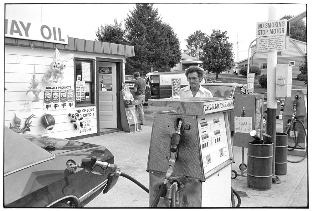 Gas Station-009-2.jpg