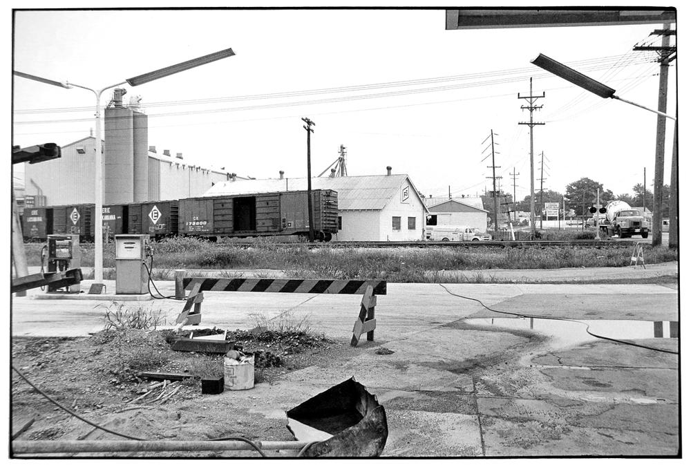 Gas Station-018-2.jpg