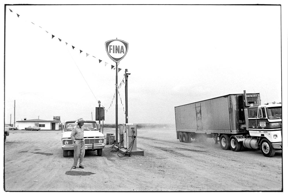 Gas Station-023-2.jpg