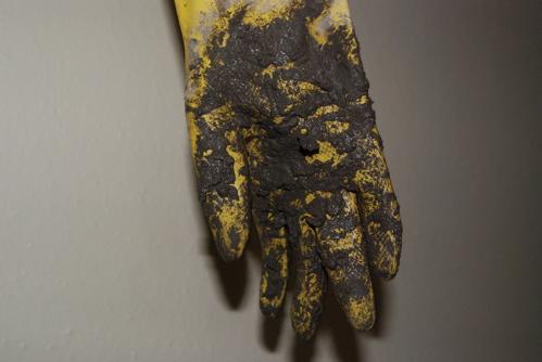 concrete-glove.JPG