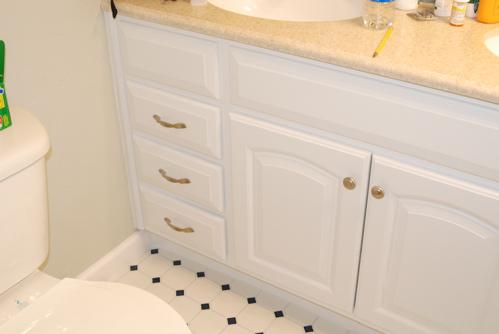 vanity-with-drawers.JPG
