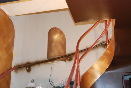 alcove-gold-bannister-spray.JPG
