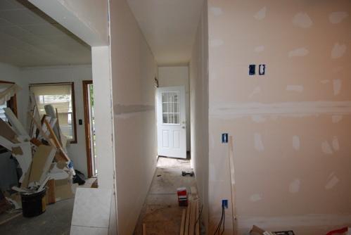 hallway-sheetrock.JPG