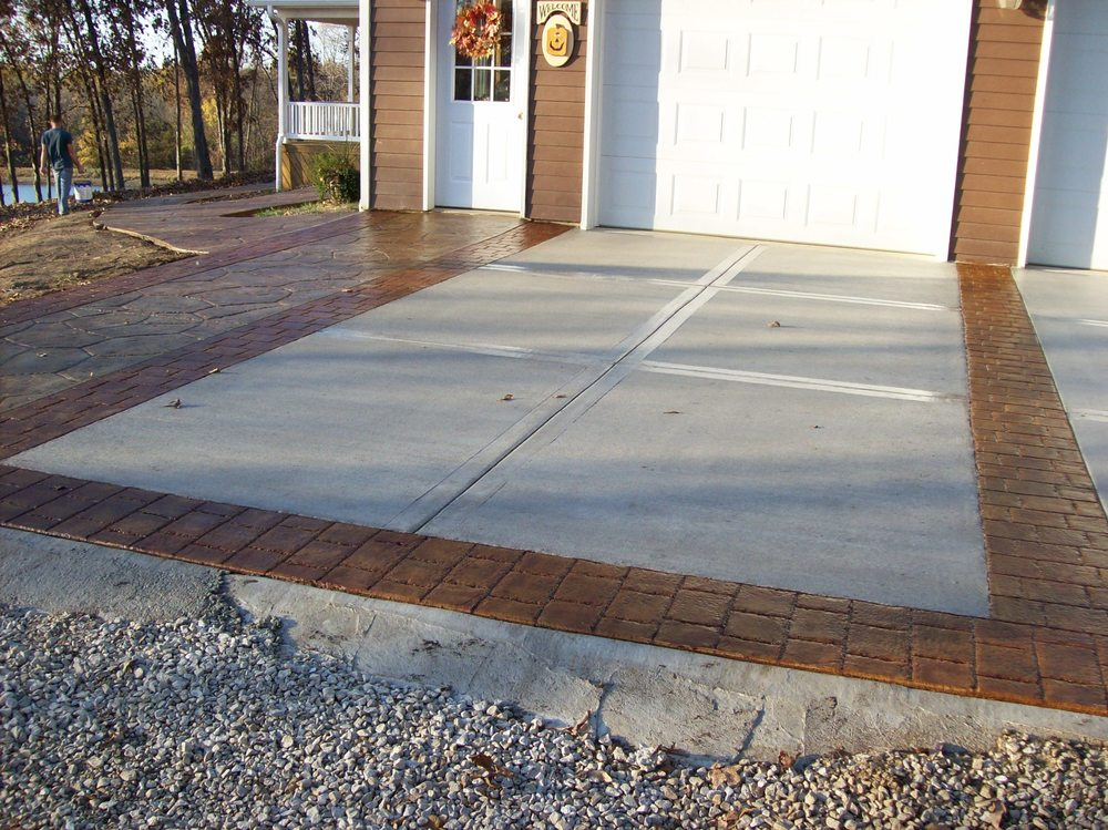 mom and dads driveway 5.jpg