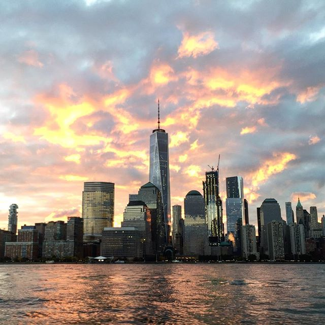 Good morning and goodbye NYC. The big boats are headed offshore and south today. Thanks New York for another incredible charter season. See you in May! #NYC #sunrise #sailing #offshore #beneteau #skyline #manhattan #instanewyork #newyork