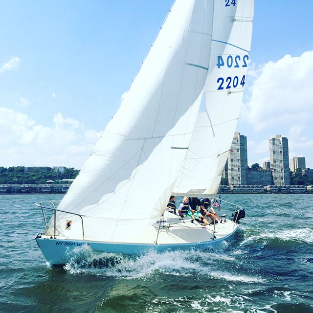Can't wait for our Mondays to look like this ☀⛵☀⛵#hurryupsummer @nycsailingcamp