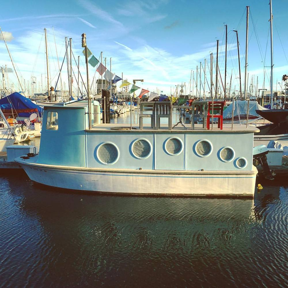 allaboard-the-ss-dreamboat-adorable-vintage-boat-in-the-santabarbara-harbor-adventure-travel-wanderlust-skipping-slrsundays-week-51-354365_23984173426_o.jpg